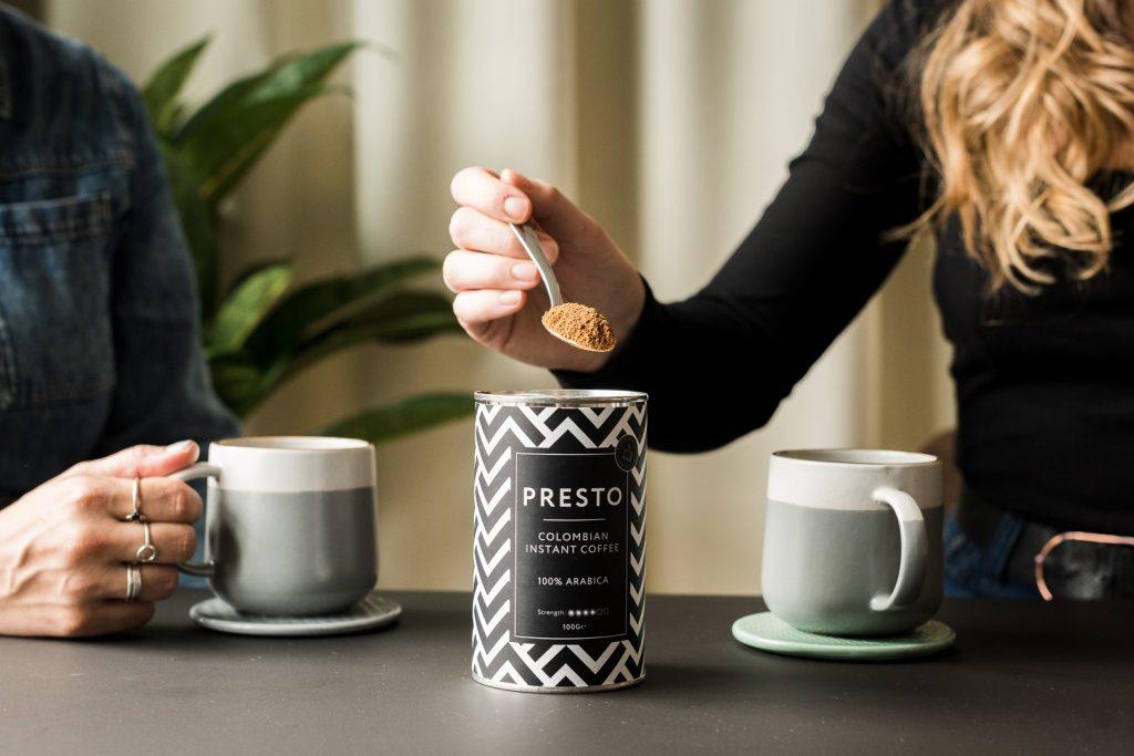 couple enjoying presto instant coffee